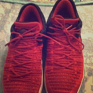 7y black and red Jordan's